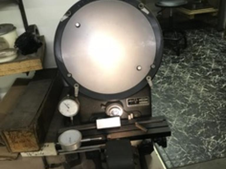 Micro-Vu Model 400 Optical Comparator