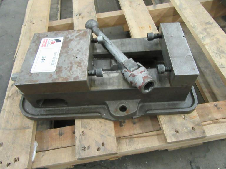 "Kurt Model D60 6"" Machine Vise With Handle"