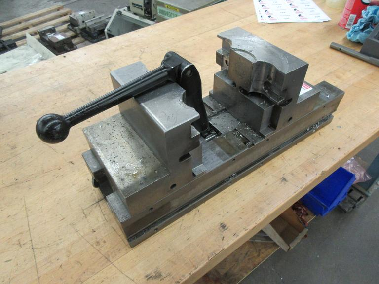 "Chick 6"" Machine Vise With Handle"