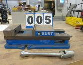 """Kurt Model D-688 6"""" Machine Vise with Steel Jaws and Handle"""