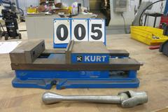 "Kurt Model D-688 6"" Machine Vise with Steel Jaws and Handle"