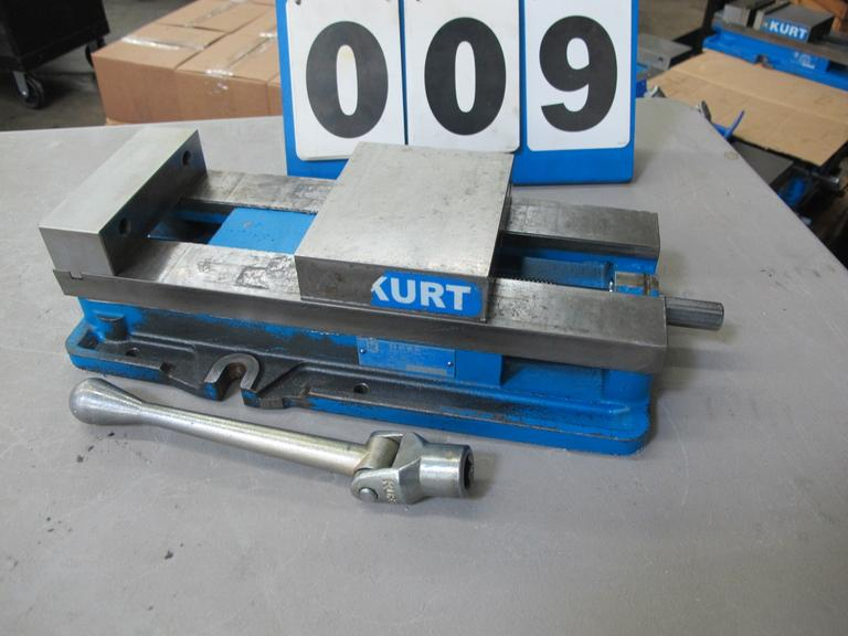 "Kurt Model D688 6"" Machine Vise with Handle"