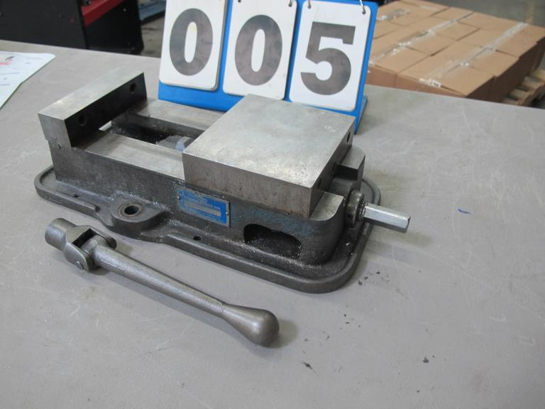 "Kurt D-60 6"" Machine Vise with Handle"