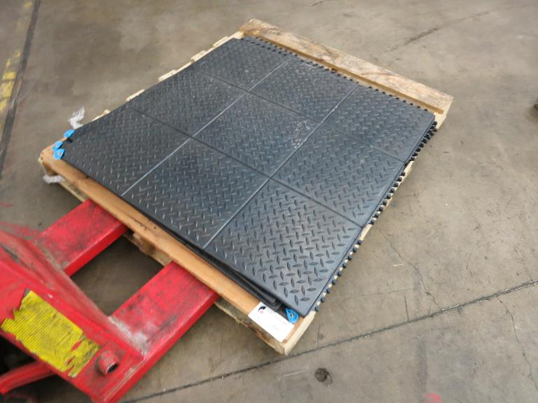 Anti- Fatigue Mats,  3' X 3' Interlocking ( Quantity 4 )