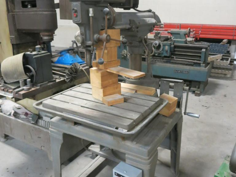 Walker Turner Model 1311-32 Radial Arm Drill Press - 8,300 Max RPM