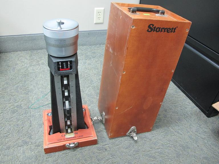 "Starret Digi-Chek 12"" Manual Height Gauge with Original Wooden Box"