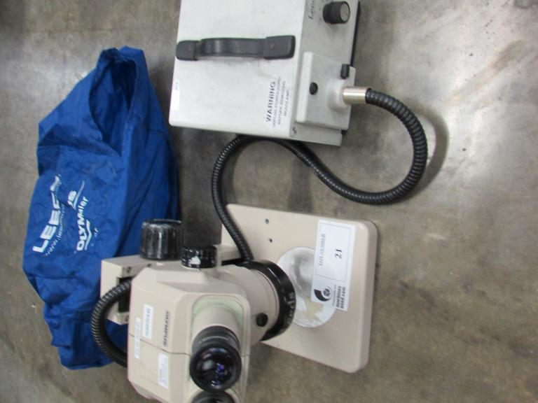 Olympus Stereo Microscope w Leeds Light Source, 10 X Lens, Magnification Lens.67 To 4 And Dust Cover