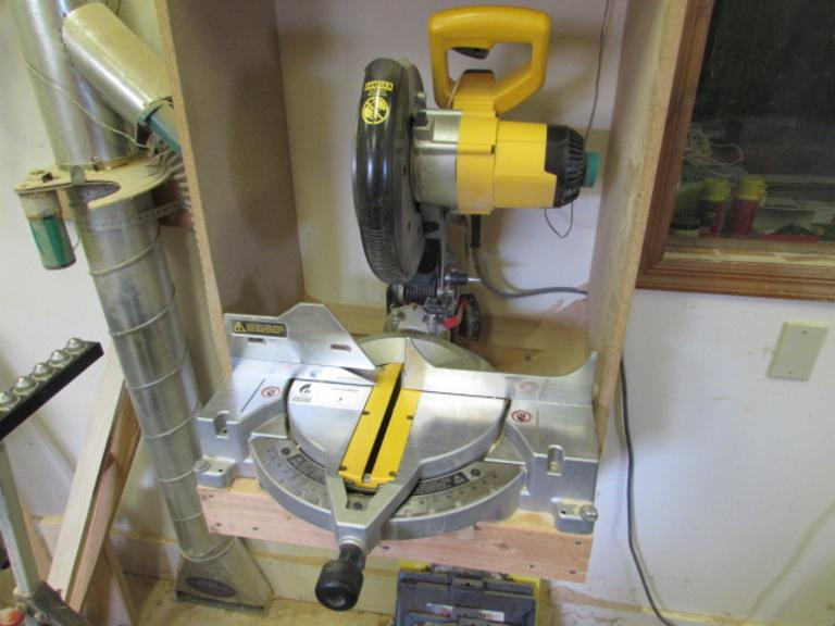 "DeWalt Model DW703 Compound Miter Saw.  10"" Blade Capacity"