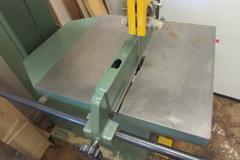 "General International Model 90-360M1 Vertical Band Saw.  19"" Throat, 12"" Max Work Height, 20.5""x21"" Tilting Table, Fence, 2HP 230V Single Phase Motor"