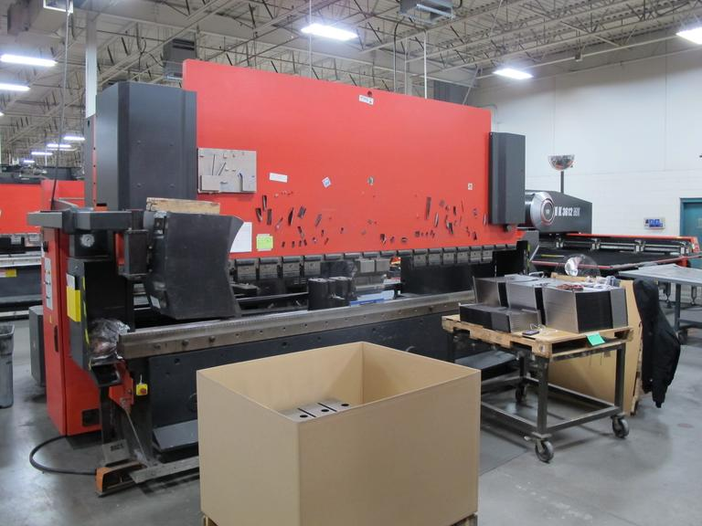 Amada HFB0 170 40, 187 Ton Hydraulic CNC Press Brake with Operateur Control and 6-Axis Backgage System