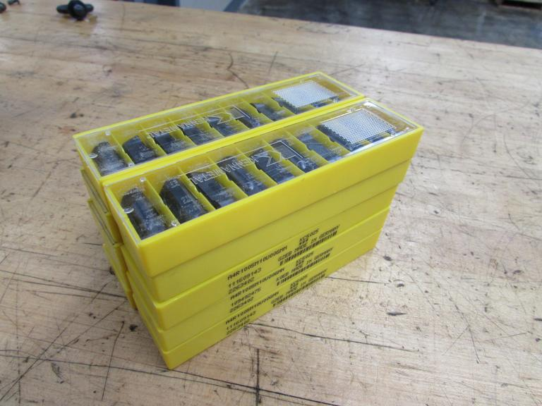 (100) Kennametal Grooving and Cut-Off Carbide Inserts