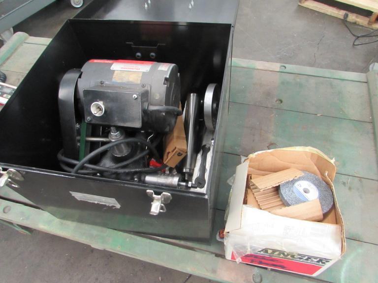 Dumore C6T34NZ2 Tool Post Grinder with Wheels, Spindle and Metal Case