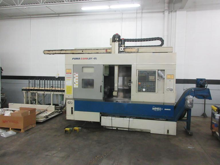 Doosan Daewoo Puma 2500LSY GL CNC Turning Center With Gantry Load/Unload System, Sub-Spindle, Live Milling, Y-Axis Programmable