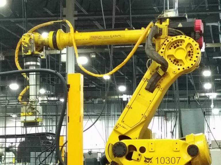 Fanuc Robot S-430iL 6-Axis Robotic Arm with Teach Pendant